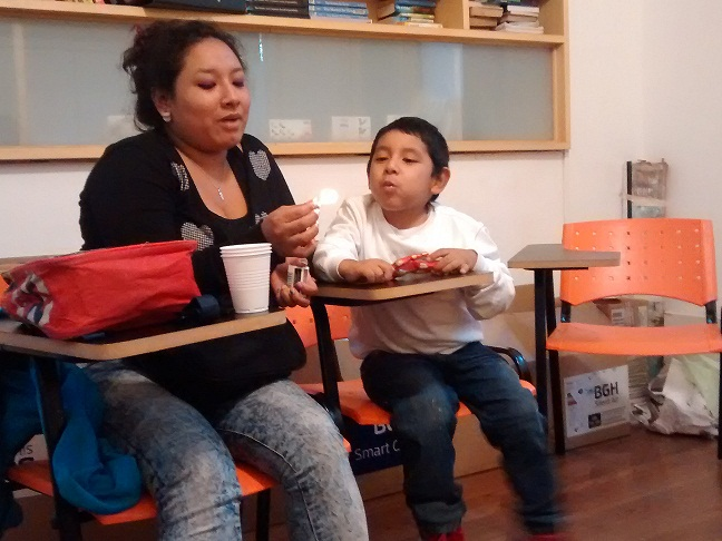 ¡Eli y su hijo Ema cuentan juntos sus deseos!